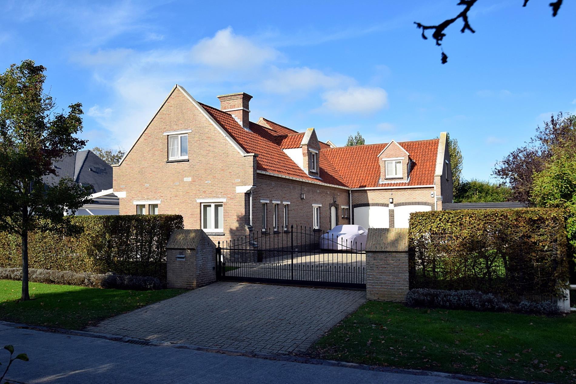 Uitzonderlijk ruime en moderne villa in De Haan.