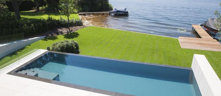 De mooiste zwembaden stelt een realisatie van Swimtec voor..