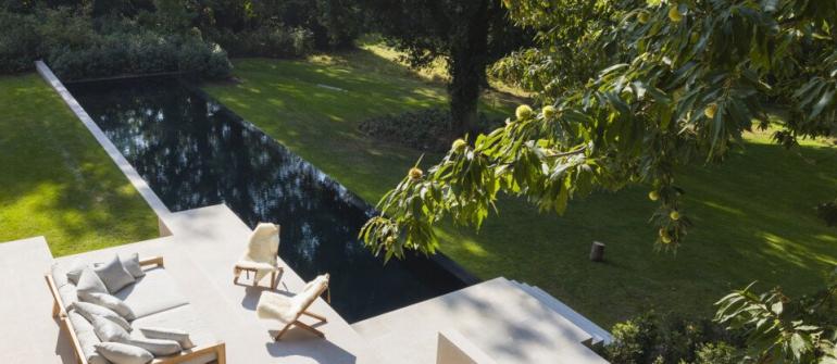 De mooiste zwembaden stelt een realisatie van Carropools voor..