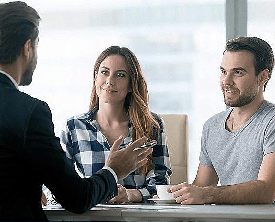 5 Belangrijke redenen waarom u best samenwerkt met een professioneel vastgoed makelaar.