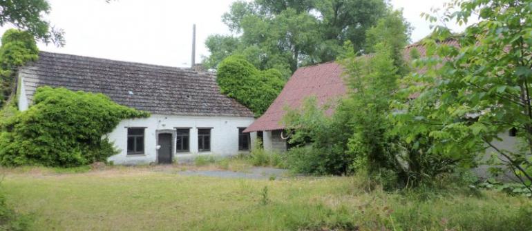Koop ik beter een woning om af te breken of een bouwgrond?