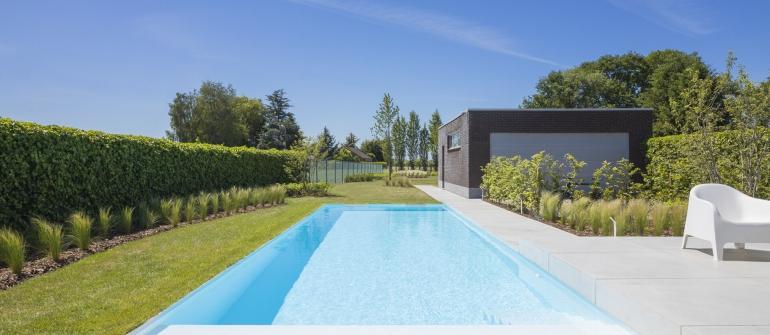 De mooiste zwembaden stelt een realisatie van VDP Landscaping & Pools voor..