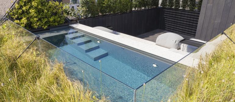 De mooiste zwembaden stelt een realisatie van BORD DE MER voor..