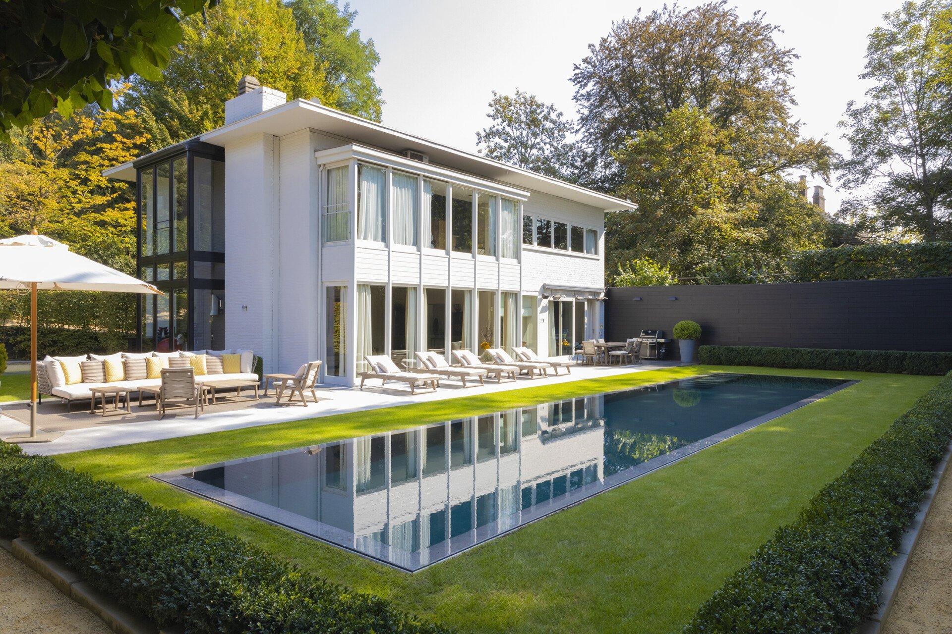 De mooiste zwembaden stelt een realisatie van GP CONSTRUCT voor..